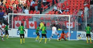 «Красные» одолели первый барьер на пути к Чемпионату мира