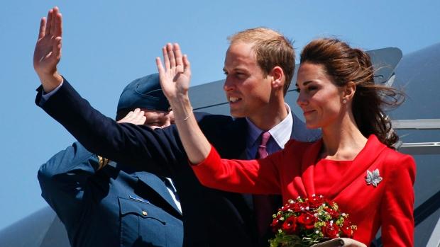 Принц Джордж ипринцесса Шарлотта трогательно попрощались сКанадой