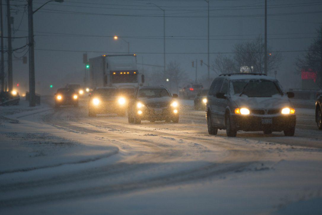 ВТоронто из-за снегопада засутки случилось 500 ДТП