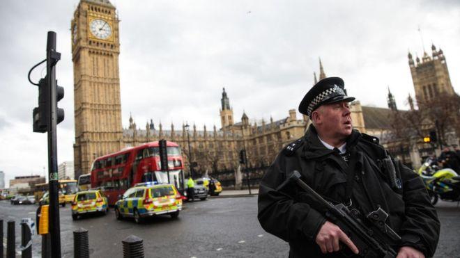 В итоге теракта встолице Англии погибли три человека