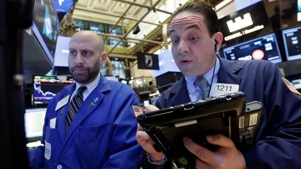 Баррель нефти Brent впервый раз сдекабря упал вцене до53 долларов