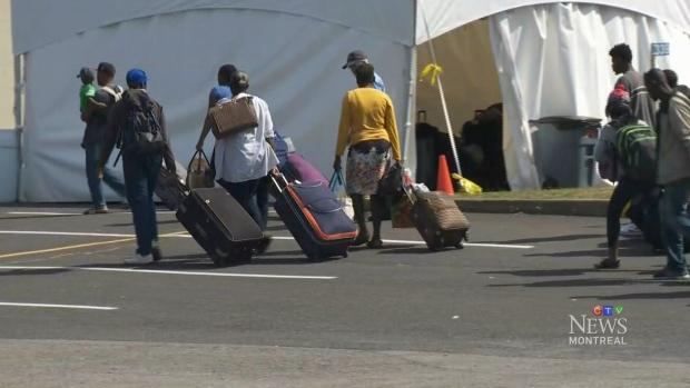 Из-за наплыва мигрантов изсоедененных штатов беженцев начал принимать стадион вМонреале