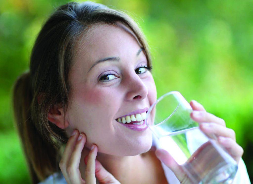 можно пью воду 2 стакана и кружется голова