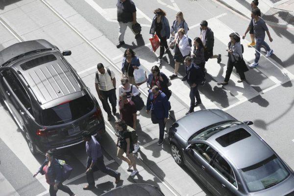Пешеходы Торонто получат преимущество на переходах