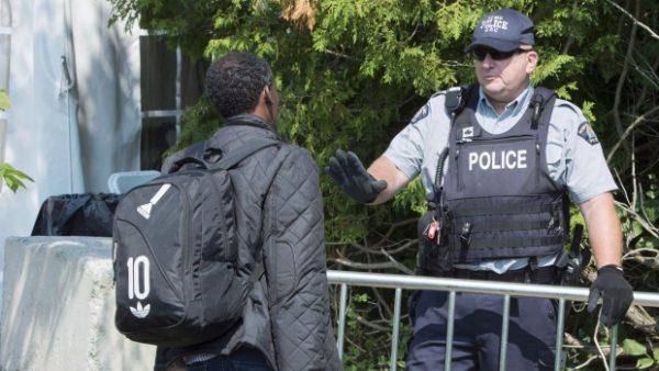 Канада выдворила шестерых из 900 просителей убежища