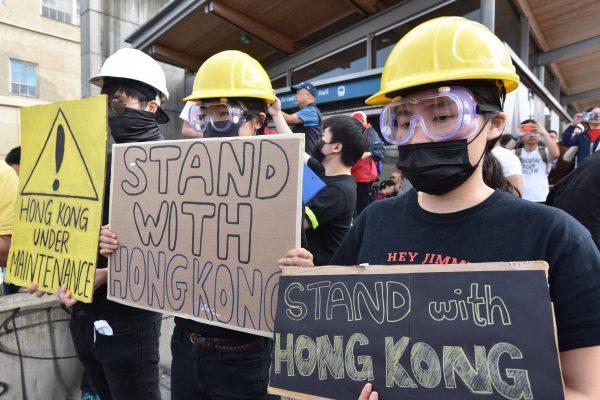 Китай просит Канаду «прекратить вмешательство» в дела Гонконга