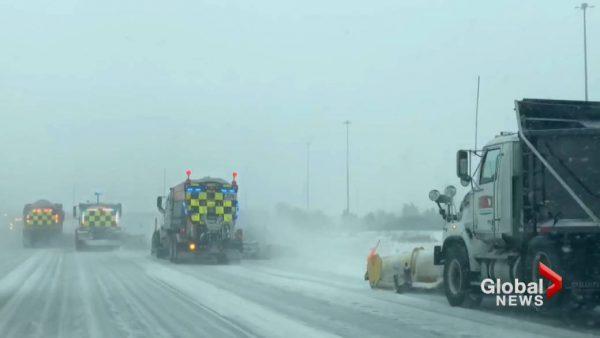 Торонто откапывается от первого снегопада этого года